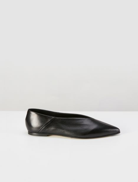 Moa Pointed Toe Flat