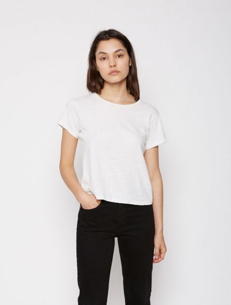 X Hanes The Classic Tee - Vintage White