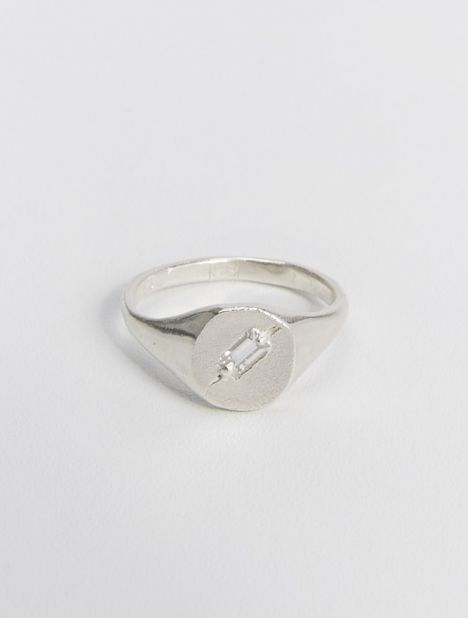 Exclusive | Silver Set In Place Signet Ring